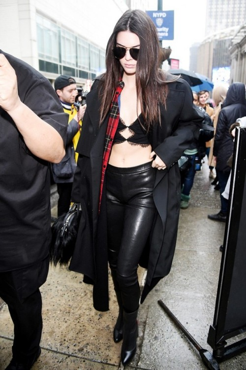 kendall-jenner-just-wore-a-lace-bralette-out-in-nyc-1661290-1455737511.640x0c