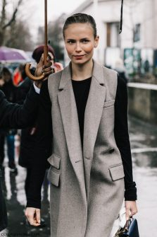 PFW-Paris_Fashion_Week_Fall_17-Street_Style-Collage_Vintage-Mugler-Acne-32-1800x2700