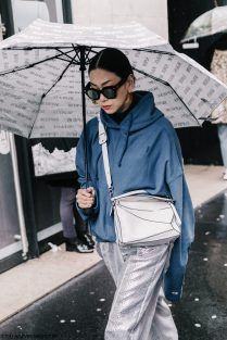PFW-Paris_Fashion_Week_Fall_17-Street_Style-Collage_Vintage-Mugler-Acne-79-1800x2700