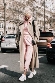 PFW-Paris_Fashion_Week_Fall_17-Street_Style-Collage_Vintage-Paco_Rabane-Balmain-Chloe-260-1800x2700